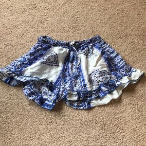 Pants - 100% silk blue and white patterned shorts